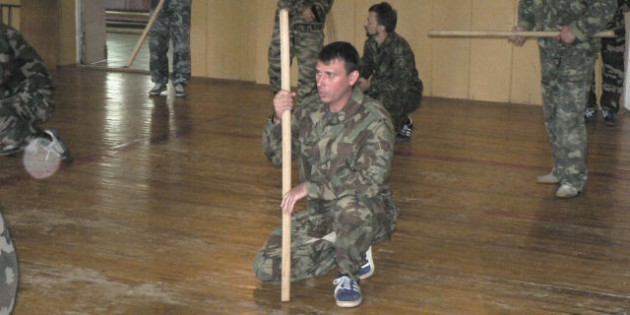 The Kadochnikov Systema: Noiseless Crawl with an Object