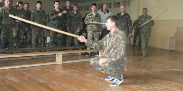 The Kadochnikov Systema: Sideways Rollovers in Pairs