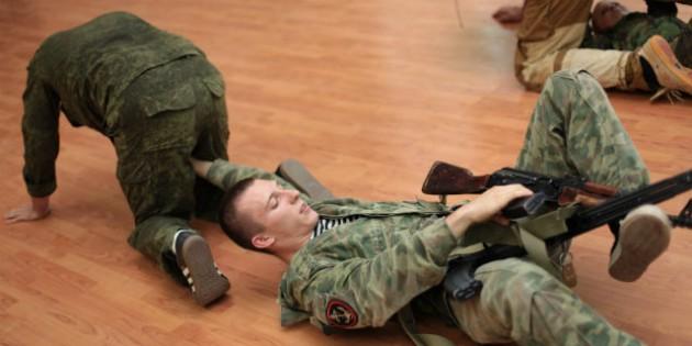 The Kadochnikov Systema: Crawling in Pair