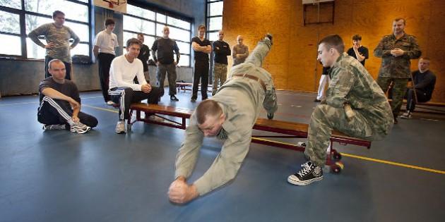 The Kadochnikov Systema: Sliding with Hands First