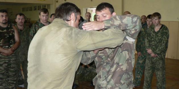 The Kadochnikov Systema: Basic Principles of Hold Escapes