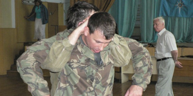 The Kadochnikov Systema: The Basic Principles of Release from a Hold from Behind
