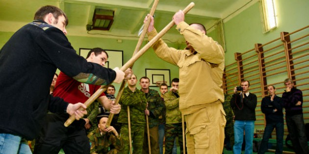 The Kadochnikov Systema: the Main Principles of Fighting Several Opponents