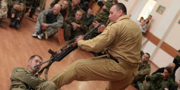 The Kadochnikov Systema: Basic Principles of Defence while Lying